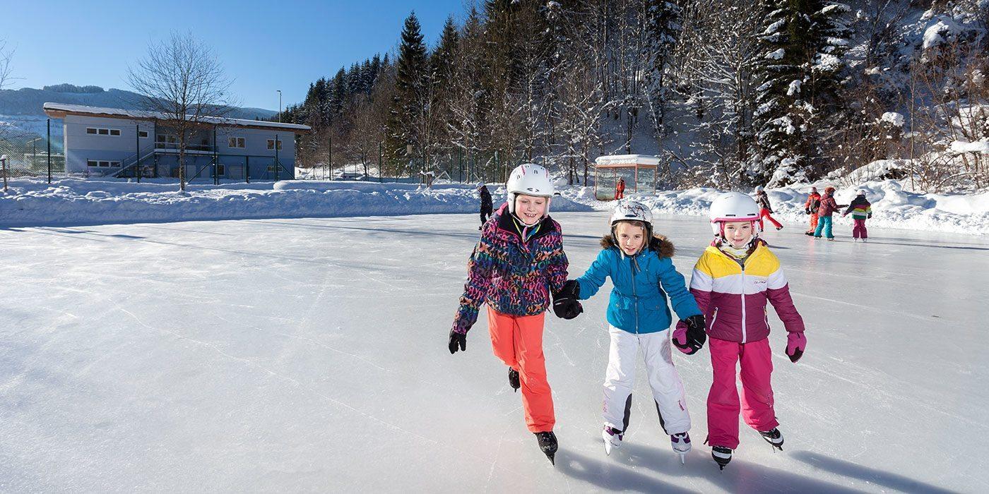 Eislaufen - Winterurlaub in Annaberg, Lammertal